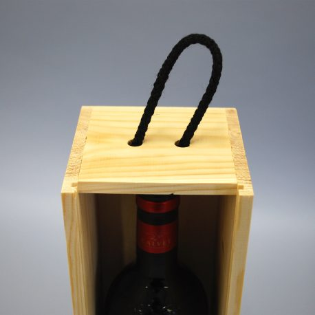 Details on Wine Crate