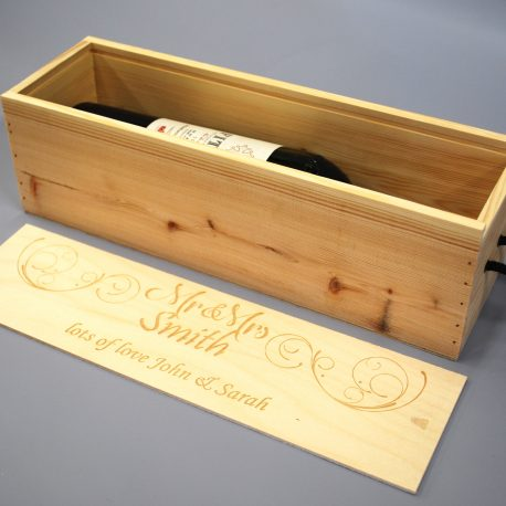 Mr&Mrs Wine Box open